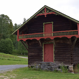 norwegian traditional house by Ester Ayerdi - Buildings & Architecture Other Exteriors ( building, wooden house, architecture, house, norway,  )