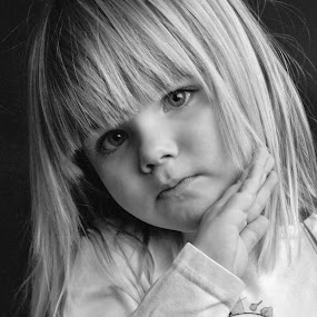 my doughters by Shana Buckens - Babies & Children Child Portraits