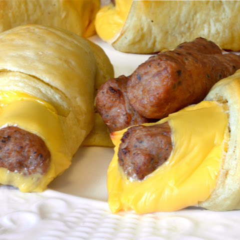 Sausage & Cheese Breakfast Roll Ups