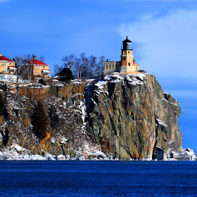 Split Rock Lighthouse in winter by Shixing Wen - Landscapes Mountains & Hills ( winter scene, minnesota, lighthouse, lake superior, split rock lighthouse, landscape )