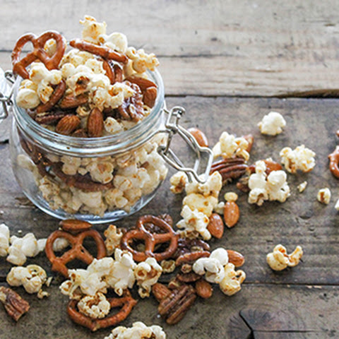 Spiced Popcorn Snack Mix