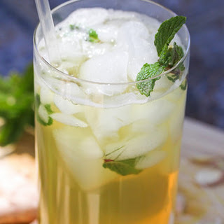 Green Tea with Ginger and Mint