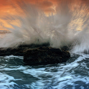 Dancing Of Wave by I Gusti Putu Purnama Jaya - Landscapes Waterscapes