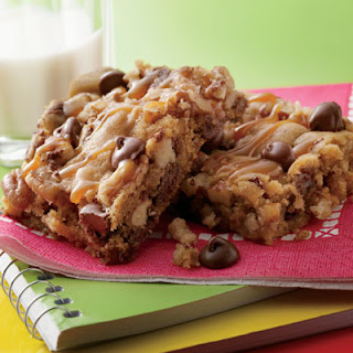 Sweet & Salty Chewy Pecan Bars