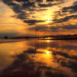 Sun set  by Martin Hughes - Landscapes Sunsets & Sunrises ( water, reflection, sun set, hdr, reflections, beach, sun )