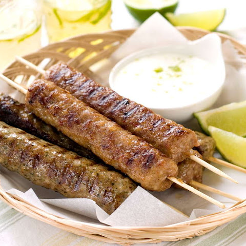 Spicy Lamb Kebab Recipe with Yogurt Sauce and Pita Breads