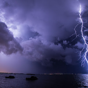positive lightning by Ivan Stulic - Landscapes Weather ( clouds, lightning, thunderstorm, cumulonimbus, weather, storm )
