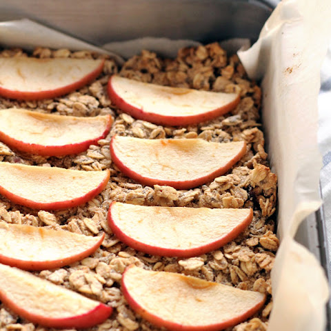 Apple Date Baked Oatmeal