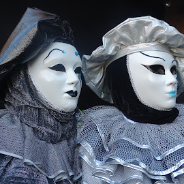 couple in mask by Patrizia Emiliani - People Couples ( venice carnival, mask, couple, italy, portrait )