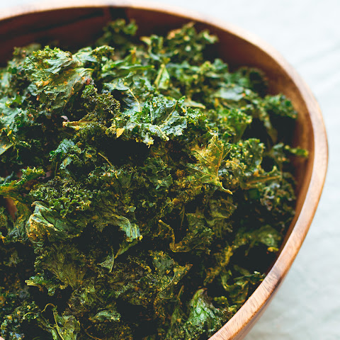 Onion Kale Chips (oven-dried)