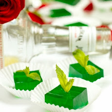 Gluten-Free Mint Julep Jello Shots