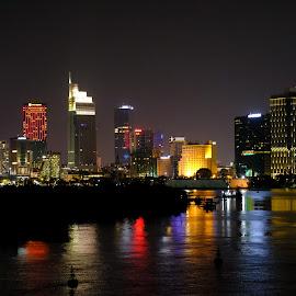 Good evening! HCMC by Beh Heng Long - City,  Street & Park  Night ( vietnam )