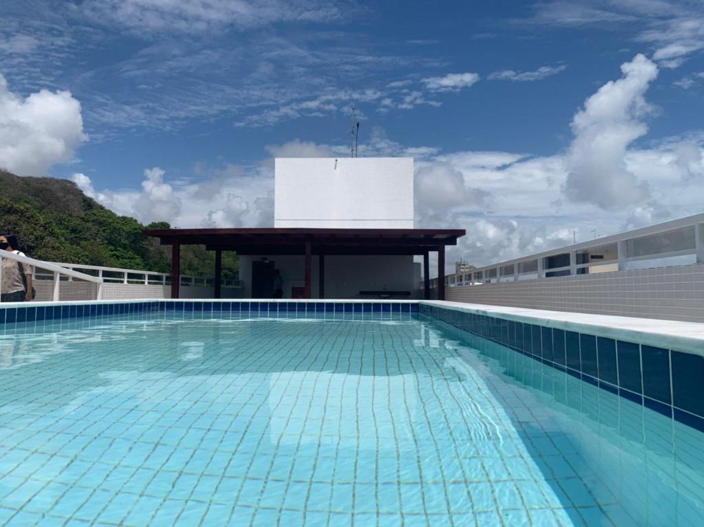 Apartamento com 2 dormitórios para alugar, 45 m² por R$ 1.450,00/mês - Cabo Branco - João Pessoa/PB