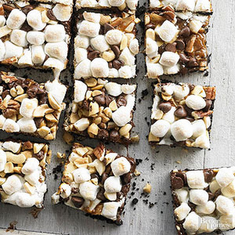 Chocolaty Caramel-Nut Smore Bars