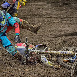 That Went Wrong ! by Marco Bertamé - Sports & Fitness Motorsports ( red, motocross, blue, speed, fall, clumps, brown, 934, number, race, noise )