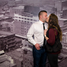 (15) 2016-11-18 by Richelle Wyatt - People Couples