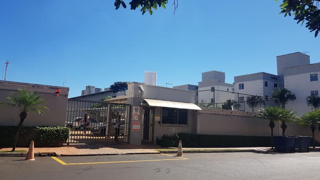 Apartamento com 2 dormitórios para alugar, 52 m² por R$ 800/mês - Universitário - Uberaba/MG