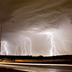 Strike ! by West Aus Storms . - Landscapes Weather ( lightning, weather, storm )