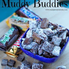 Candy Bar Muddy Buddies