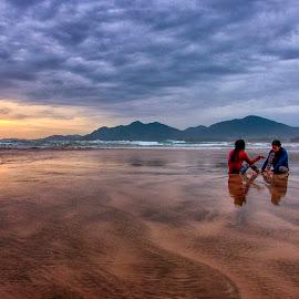 menanti sunset by Rizal Kaoy - Landscapes Sunsets & Sunrises ( aceh, pantai, sunset, beach )