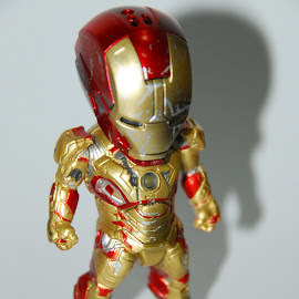 Iron Man Mark 42 Battle Damage by Yohanes Julianto - Artistic Objects Toys ( #toys, #mark42, #stark, #avenger, #kids, #ironman, #tonystark )