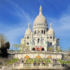 Paris - Le Sacré Coeur by Gérard CHATENET - City,  Street & Park  Street Scenes