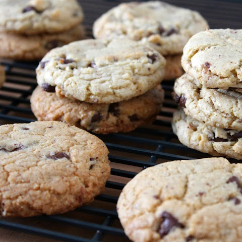 Almond Chocolate Chip Cookies #10daysoftailgate