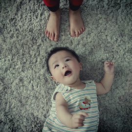 big brother baby brother by Manchi Au Yeung Leung - Babies & Children Babies ( child, feeling, simple, happy, big brother, artistic, children, feet, brotherhood, baby boy, newborn )