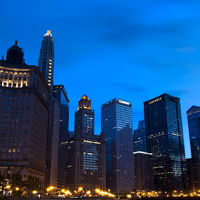 Blue hour at Chicago River by Cristobal Garciaferro Rubio - Buildings & Architecture Office Buildings & Hotels ( pwcarcreflections, chicago river, chicago buildings, chicago, usa )