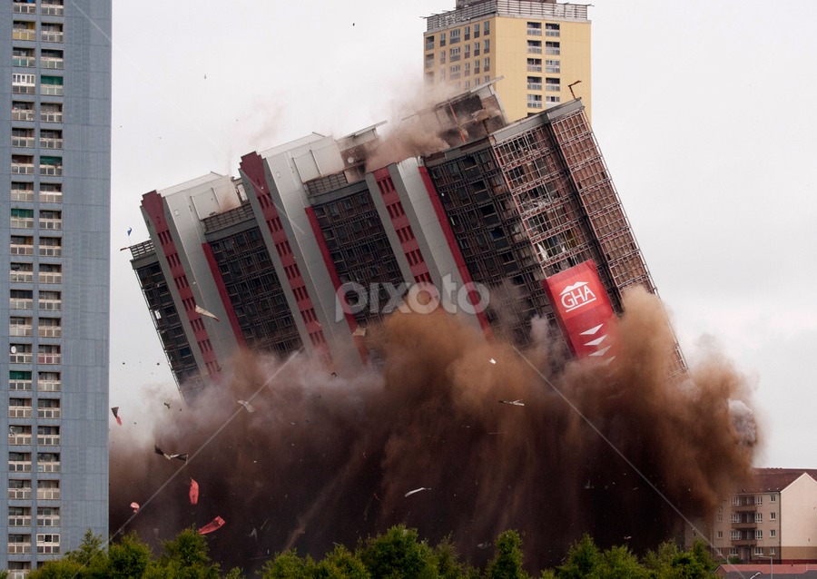 Bang goes the red road flats by Tommy  Cochrane - News & Events World Events ( scotland, uk, explosion, high rise, petershill drive, glasgow, demolishion, demolish, red road )