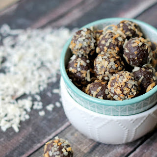 No Bake Chocolate Coconut Date Balls