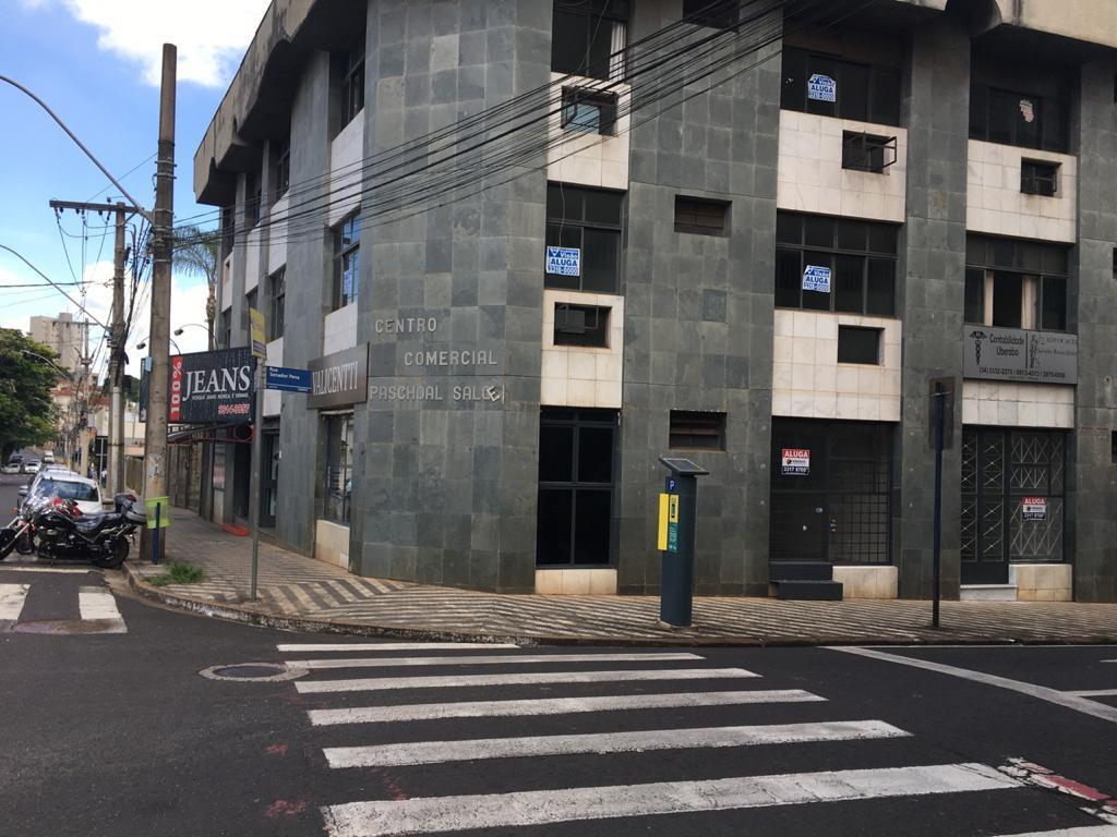 Loja para alugar, 57 m² por R$ 1.600,00/mês - Centro - Uberaba/MG