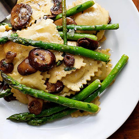 Ravioli with Asparagus and Mushrooms