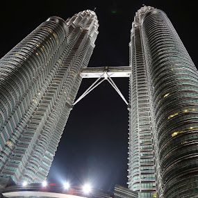 Creating Harmony For Malaysia by Manoj Ojha - Buildings & Architecture Office Buildings & Hotels ( #menaraberkembarpetronas, #asiapacific, #malaysia, #prideofmalaysia, #88floor, #islamicarchitecture, #kualalumpur, #twintower # )