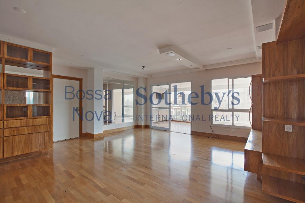 Apartamento novo e muito bem localizado, próximo ao Metrô.