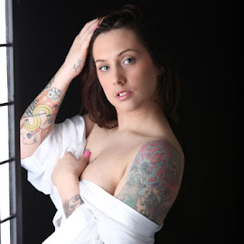 Miss Sarah by Charles Ede - Nudes & Boudoir Boudoir ( sarah's photo session (feb.2013),  )