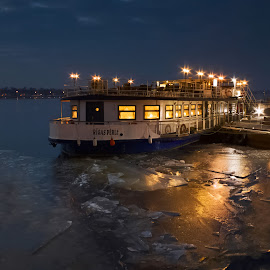 before leaving by Eugenijus Rauduve - Transportation Boats ( ice, ship, night, light, river )