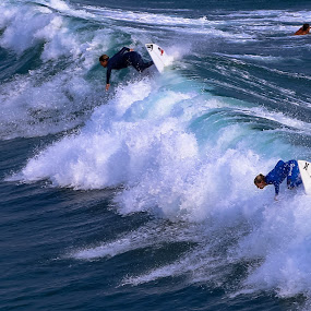 Synchronized by Scott Murphy - Sports & Fitness Surfing