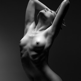 Marisabel by Vadim Gunko - Nudes & Boudoir Artistic Nude ( models, body, girls, nude, shadows )