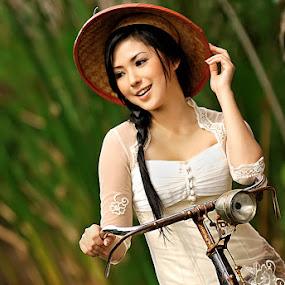 :: Indonesian Women :: by Dzone Photozone - People Fashion
