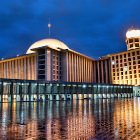 The Istiqlal Mosque by Gema Goeyardi - Buildings & Architecture Places of Worship ( mosque, pray )