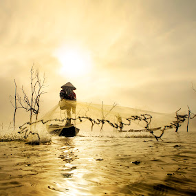 Lưới sớm by Kenji Le - People Street & Candids ( pwcsilhouettemotion, fog, vietnam, fishing )