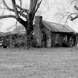 Fading by Rick Covert - Black & White Buildings & Architecture ( home, black and white, memories, rural, arkansas )