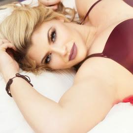 Kristen by Lori Wallace - Nudes & Boudoir Boudoir