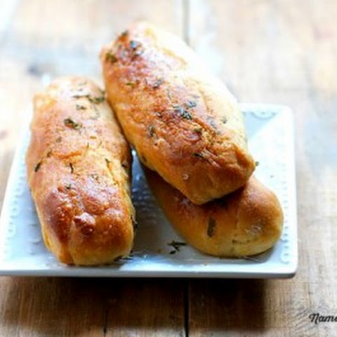 Homemade Garlic Breadsticks