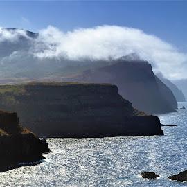 Madera cliffs by Tomasz Budziak - Landscapes Waterscapes ( landscapes, cliffs, seascape, portugal )