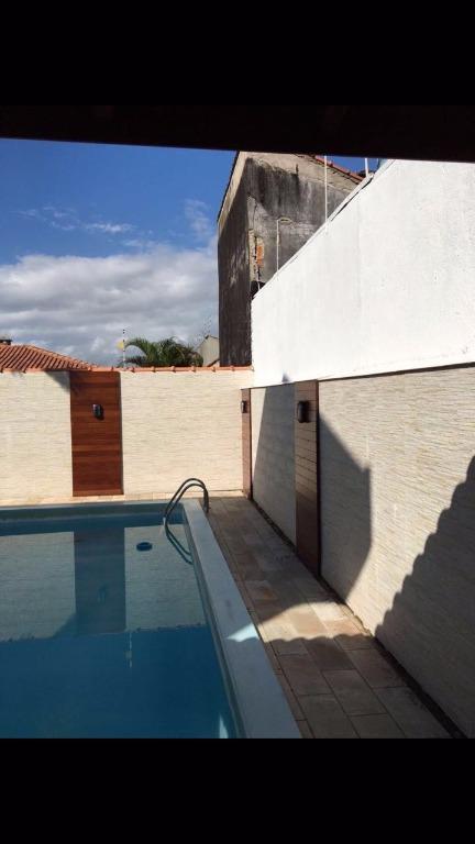 Sobrado residencial à venda, Estância Balneária Belmira Novaes, Peruíbe.