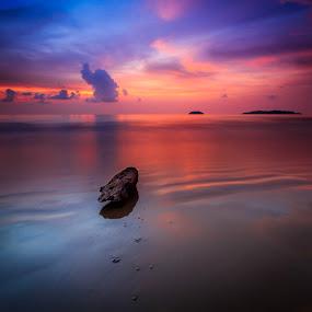 Pensamientos profundos by Gerard Macorvick - Landscapes Sunsets & Sunrises