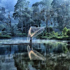 Aktivitas dipagi hari by Jamroh  Jamudin - Landscapes Travel