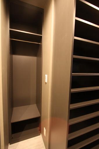 1階:玄関横のシューズインクローク